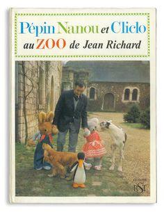 Pepin Nanou et Cliclo au ZOO de Jean Richard  Librairie Charpentier / 1966 / Hard cover / 24×32cm  ジャン・リシャールはフランスではテレビシリーズのメグレ警部役として有名。動物園やサーカスも持っていました。この絵本では、3匹のぬいぐるみがジャン・リシャールの動物園に迷い込むというお話。無表情なぬいぐるみと本物の動物(みんななんだか迷惑そうな顔)とのショットが見ものです。今はなきアルファ社のぬいぐるみがたっぷり堪能できます。