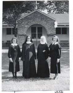Sisters of St. Francis Sylvania, Ohio in 1952 #HistoryNun #NCSW http://www.sistersosf.org