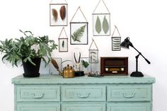 How to style a botanical wall www.loods5.nl/inspiratie/category/home