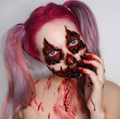 And if you get tired of your Halloween look, you can always take it off and stick your own face back on. Makeup Fx, Creepy Makeup, Horror Makeup, Zombie Makeup, Makeup Ideas, Halloween Makeup Looks, Creepy Halloween, Halloween Horror, Halloween Cosplay