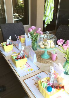 Easter fun with friends Easter Table Decorations, Easter 2021, Easter Holidays, Hoppy Easter, Easter Party, Easter Baskets, Easter Ideas, Easter Crafts, Spring Time
