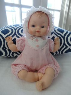 Beautiful Vintage Vogue Baby Doll