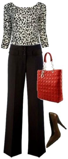 b607a1be3 Calça em alfaiataria  boyish Mais uma peça que conquistou o nosso  guarda-roupas há