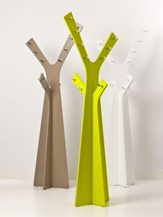 Cardboard model of a clothes tree, simply slot the two pieces together!