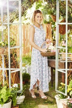 Ultra flattering maxi dresses from LC Lauren Conrad are as perfect as spring dresses get.