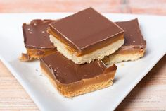 You Don't Need To Have A Million Dollars To Make These Chocolate Caramel Millionaire Bars!