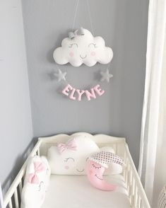 Que de la douceur ☺️☺️ prix et renseignements dans mon e-shop, lien dans ma bio. . . . . #chambrebebe#bebe#nuage#decoration#fille#girl#mama#maman#creatrice#grossess#enceinte#baby#babyshower#decor#babyroom