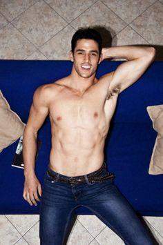 hot-guys-in-blue-jeans-11.jpg (600×903)