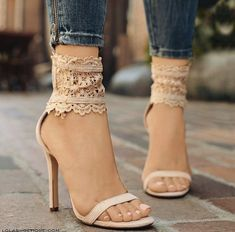 These are just lovely! I need them in my shoe-wardrobe!   Stylish outfit for women who follow fashion.
