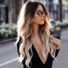 That Ombré life. Adding that extra splash of life to her hair @kattern23 wearing her 160g #EdenOmbreBlonde Clip Ins!