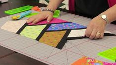 Gorgeous & Easy Half-Hexi Quilt Looks Just Like A Stained Glass Window Quilting For Beginners, Quilting Tutorials, Quilting Designs, Quilting Ideas, Quilting Projects, Sewing Tutorials, Sewing Ideas, Dresden Quilt, Strip Quilts