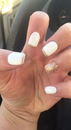 Best nails acrylic white gold Ideas #nails Graduation Nails, Homecoming Nails, Prom Nails, Wedding Nails, Fun Nails, White Nails With Gold, White Glitter Nails, Gold Gold, Gold Acrylic Nails