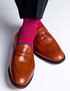 Dress socks by Dapper Classics Fashion Socks, Suit Fashion, Mens Fashion, Style Fashion, Shoes Photo, Stocking Tights, Dapper Men, Messenger Bag Men, Striped Socks