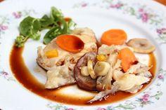 Sprawdzony przepis na Filet z indyka duszony z warzywami. Wybierz sprawdzony przepis eksperta z wyselekcjonowanej bazy portalu przepisy.pl i ciesz się smakiem doskonałych potraw.