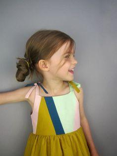 girl dress, geometrical pattern dress, kids dress, kids clothes, kids fashion, kids style, mustard dress, #dress #kidsdress #kidsfashion