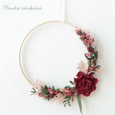 Felt Flower Wreaths, Paper Flowers Diy, Felt Flowers, Flower Crafts, Dried Flowers, Floral Wreath, Flower Frame, Flower Wall, Simple Hand Embroidery Patterns