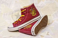 Harry Potter House Gryffindor Emblem Sneakers Converse Chucks Custom Painted Shoes Print Hand Painted Shoes Canvas Shoes Hi-Top Handmade