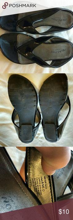 Kenneth Cole Reaction Sandals Black Kenneth Cole Reaction Sandals Used Very Good Condition Kenneth Cole Reaction Shoes Sandals