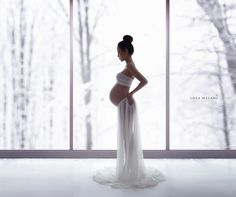 Beautiful magical maternity portraits. Artistic pregnancy silhouettes. Fine-art maternity and newborn photography by Lola Melani NYC