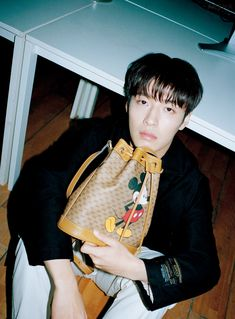 Actor Kang Ha Neul blessed us with a series of charming photos with 'Arena Homme +' magazine. The actor gave off vintage vibes as he posed for the camera. Why Im Single, Kang Haneul, Charming Man, Pose For The Camera, Moon Lovers, Angel Eyes, Elle Magazine, Korean Actors, The Twenties