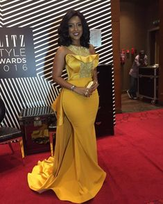 Plus Size Sexy Mermaid 2018 Joselyn Dumas Prom Dresses African Scoop Crystal Beaded Satin Celebrity Dresses Women Yellow Evening Gowns African Prom Dresses, African Wedding Dress, Latest African Fashion Dresses, African Print Fashion, African Dress, African Weddings, Yellow Evening Gown, Black Evening Dresses, Cheap Evening Dresses
