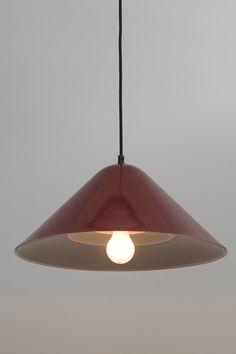 Lampa duńska. Producent: Nordisk Solar. Rok produkcji: lata 70 XX w.Lampa metalowaŚrednica: 45 cmWysokość: 30 cm