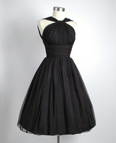 Adore 50's style dresses