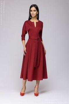 2b2708755e3 фото Платье бордовое с принтом длины миди с рукавами