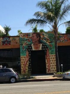 Petty Cash Restaurant in Hollywood on Beverly Boulevard.   http://glitteratitours.com/
