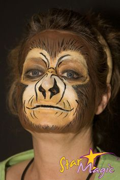 Ape with face painting. I will color their eyelids with black or brown color. Monkey Face Paint, Mime Face Paint, Animal Face Paintings, Animal Faces, The Mask Costume, Costume Makeup, Maquillage Halloween, Halloween Face Makeup, Monkey Makeup