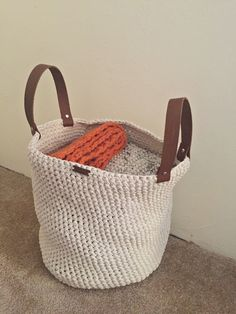 Crochet Pattern - Storage Basket with Leather Handles