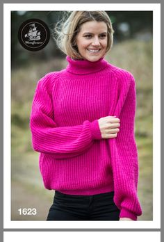 A sleeveless top knitted in one piece - all in garter stitch. Yarn Projects, Knitting Projects, Knitting Patterns, Rosa Pullover, Thick Sweaters, Garter Stitch, Pink Sweater, Knit Crochet, One Piece