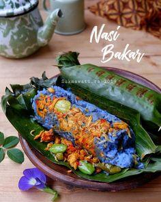 Resep nasi bakar spesial © 2020 Instagram/@dewi.yuliana23 ; Instagram/@laila_umi Nasi Liwet, Nasi Bakar, Brunch Sydney, Indonesian Cuisine, Asian Recipes, Ethnic Recipes, Malaysian Food, Cafe Food, Aesthetic Food