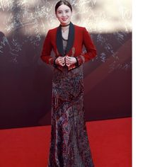 Song Jia in an ensemble from the #aw16 collection at the China Huabiao Film Awards Ceremony in Beijing. . #ETRO #ETROWoman #ETROCelebs #SongJia #regram