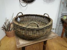 Willow Weaving, Basket Weaving, Baskets On Wall, Gift Baskets, Square Baskets, Sewing Baskets, Rattan Basket, Flower Girl Basket, Wicker Furniture