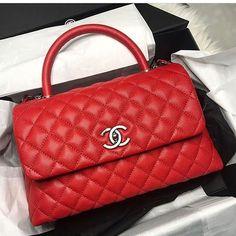75d4d4783a99 Myya🌹✨ Burberry Handbags, New Handbags, Chanel Handbags, Luxury Handbags