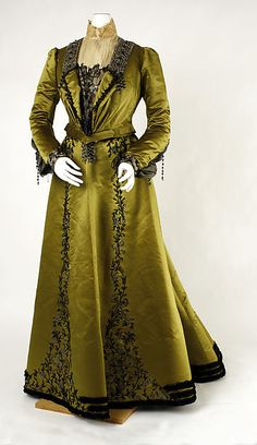 Shocking Chartreuse: The Love It/Hate It Color of the Late 19th Century | The Pragmatic Costumer - Visiting or Dinner Dress, circa 1900