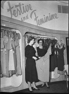 Winn's Department Store, Hunter St, Newcastle, 2 October 1953, by Sam Hood