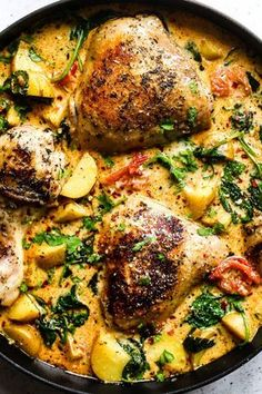 Just 3 simple ingredients make this delectable and easy chicken dinner. Just 3 simple ingredients make this delectable and easy chicken dinner. Italian Chicken Recipes, Turkey Recipes, Recipes Dinner, Easy Chicken Thigh Recipes, Shrimp Recipes, 3 Ingredient Recipes, Pot Pasta, Beef Pasta, Carne