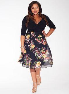 Kelly Dress in Noir Rose #curvyfashion #plusize #holidaypartydress