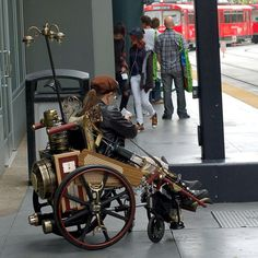 This has got to be THE COOLEST Steampunk costume! :) Steampunk Wheelchair by statelyenglishmanor,. Corset Steampunk, Costume Steampunk, Steampunk House, Steampunk Design, Victorian Steampunk, Steampunk Fashion, Neo Victorian, Gothic, Special Olympics