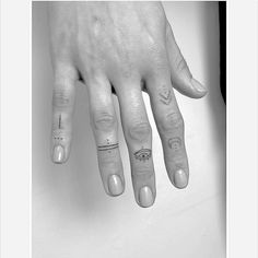 Tattoos - Finger Tattoos – – -Finger Tattoos - Finger Tattoos – – - Angeles Tattoo Ideas Female Unique Pictures New Ideas : Page 15 of 31 : Creative Vision Design The Best Small Tattoos You'll Want to Copy From Celebrities Small Finger Tattoos, Finger Tattoo Designs, Finger Tats, Henna Tattoo Designs, Tattoos For Women Small, Small Tattoos, Tattoos For Guys, Finger Dot Tattoo, Geometric Tattoo Finger