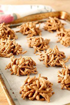 Peanut Butter and Butterscotch Haystacks | http://www.creative-culinary.com/peanut-butter-butterscotch-haystacks/