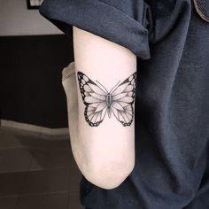 Leggerissimi tatuaggi con farfalle: foto e significato