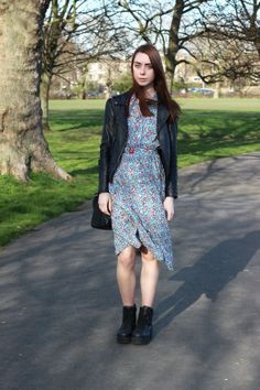 Chelsea Jade from www.chelseajadeloves.com welcomes in the first day of spring by teaming up the Ines Lawn Dress with a leather biker Jacket #inesxuniqlouk