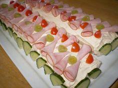 Kinkku-rullavoileipäkakku (2kpl) Sushi, Ethnic Recipes, Food, Meals, Yemek, Eten
