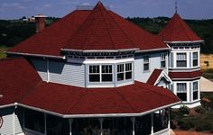 CertainTeed articles, image galleries, and projects. Browse Carriage House® Shingles ideas and more! Certainteed Shingles, Hotel Floor Plan, Shingle Colors, Residential Roofing, House Roof, House Shingles, Red Roof, Gabel, Flat Roof