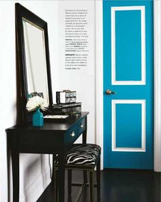 Stacey Cohen - Gorgeous foyer with blue door, black console table, black zebra bench, black mirror with gold trim and turquoise blue vase. Painted Interior Doors, Painted Doors, Interior Paint, Murs Turquoise, Turquoise Door, Teal Door, Blue Doors, Interior Design Inspiration, Home Interior Design