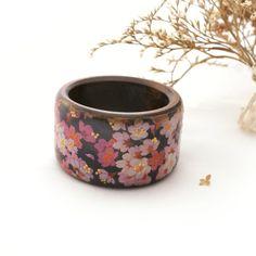 Printemps Bracelet Sakura floral bracelet en bois par Alenahandmade