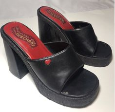 Dr Shoes, Sock Shoes, Me Too Shoes, Aesthetic Shoes, Aesthetic Clothes, Pretty Shoes, Cute Shoes, Look Fashion, Fashion Shoes